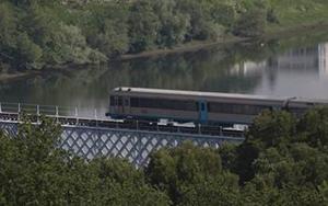 International bridge on the Porto-Vigo line.  Photograph Paco Armada