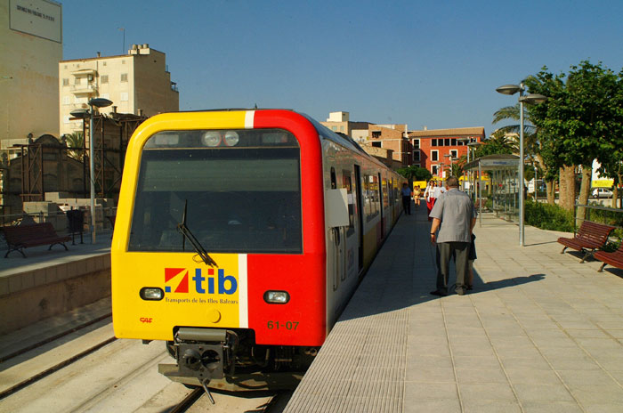 SFM sells six Class 6100 diesel trains to France